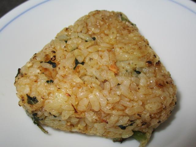 テーブルマークの鮭と野沢菜の焼おにぎり